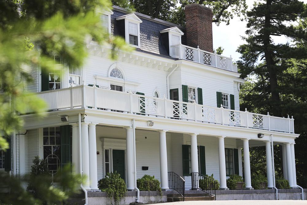 Wood Lawn Mansion